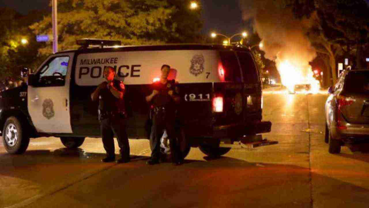 MILWAUKEE RIOTS AFTER POLICE FATAL SHOOTING. Milwaukee's mayor appeals for calm following riots