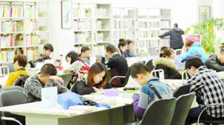 World Reading Day: More Chinese people go book-clubbing